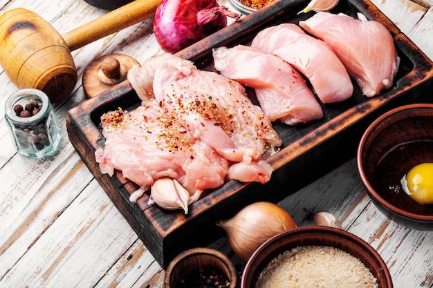 Kip steak rauw vlees