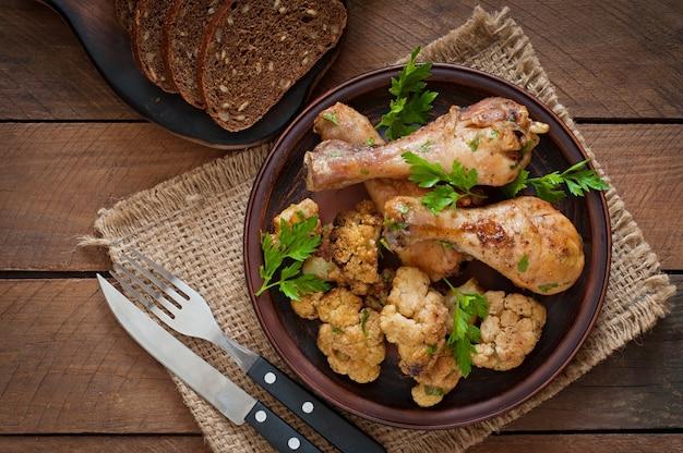 Kippenpoot met gebakken bloemkool en peterselie