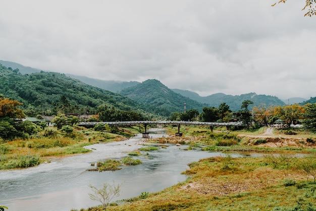 Kiriwong-dorp - een van de beste frisse luchtdorpjes in thailand en leven in de oude thaise stijlcultuur. gelegen in nakhon si thammarat, ten zuiden van thailand
