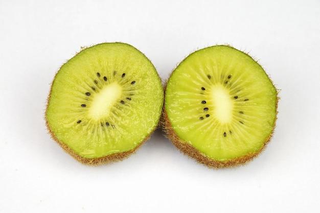 Kiwi gesneden in hald