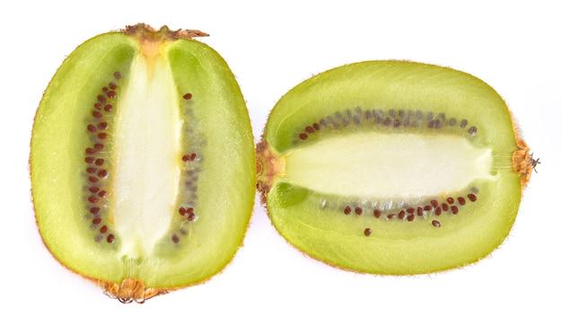 Kiwiplakken op een wit oppervlak