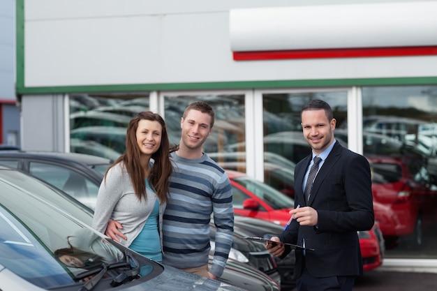 Klanten die een auto kopen