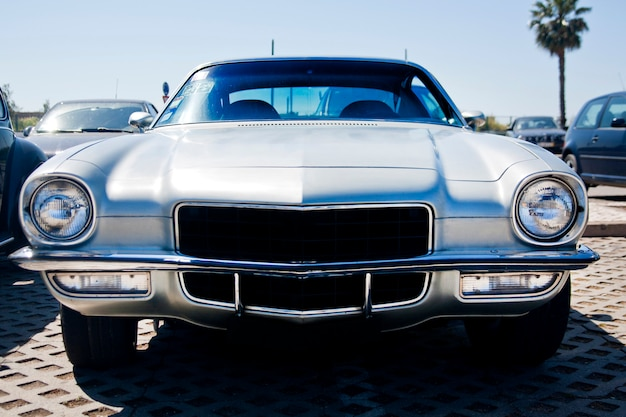 Klassieke auto uit de jaren zeventig