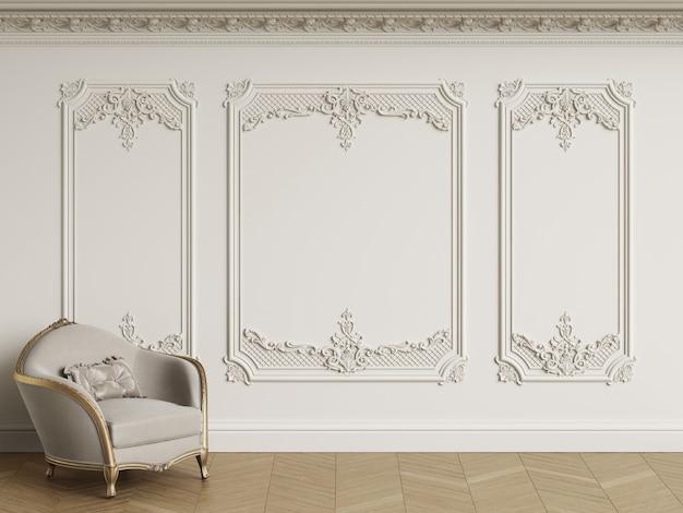 Klassieke fauteuil in klassiek interieur met kopie ruimte. witte muren met lijstwerk en versierde kroonlijst. visgraat op de vloer. 3d-rendering