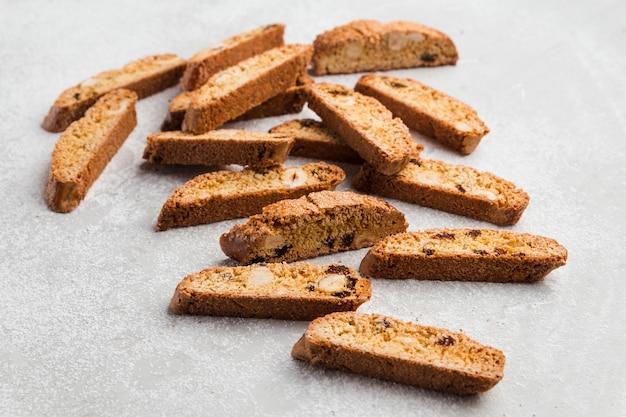 Klassieke italiaanse biscotti cantuccini-koekjes