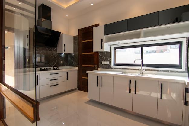 Klassieke moderne keuken