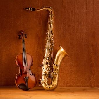 Klassieke muziek sax tenorsaxofoon viool in vintage