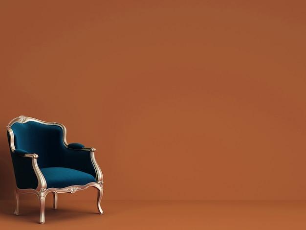 Klassieke stoel in blauw en goud op rorange muur met kopie ruimte