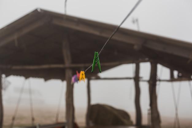 Kleding om kleding aan een touw te drogen