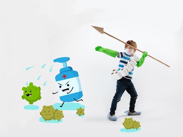 Kleine blanke jongen als krijger in gevecht met coronavirus pandemie, helder ontwerp met leuke en grappige tekenfilmachtige tekeningen. teenboy in oorlog voor mensenlevens. concept van kindertijd, gezondheid, winnen.