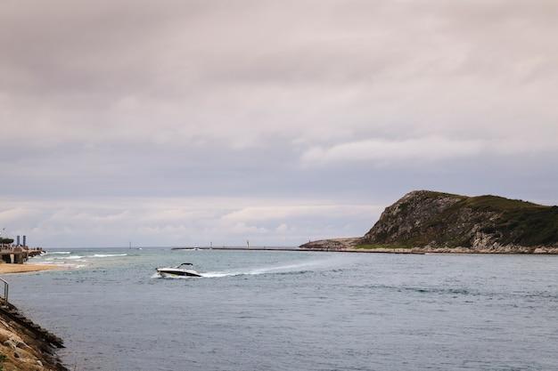 Kleine buitenboordmotorboot