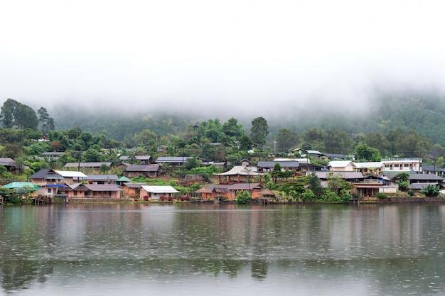 Kleine hut in mae hong son tea plantation