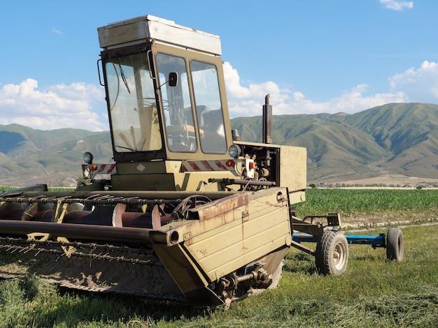 Kleine landbouwvoertuig maaidorser