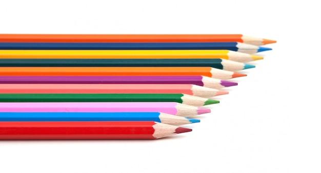 Kleur potloden geïsoleerd op een witte achtergrond