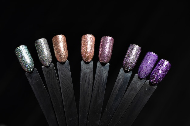 Kleuren van pools voor manicure. ontwerp voor nagels. grote keuze aan kleuren gelvernis.
