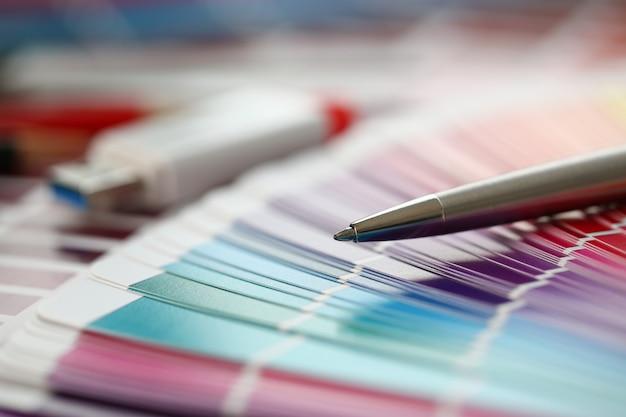 Kleurenafdruk van pantone statistieken offset