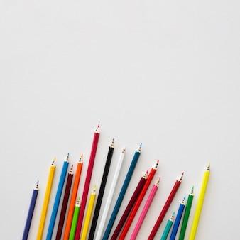 Kleurpotloden collectie met kopie-ruimte