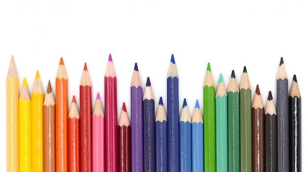 Kleurpotloden geïsoleerd op een witte achtergrond,