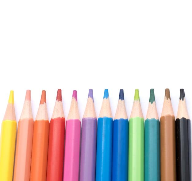 Kleurpotloden op een witte achtergrond