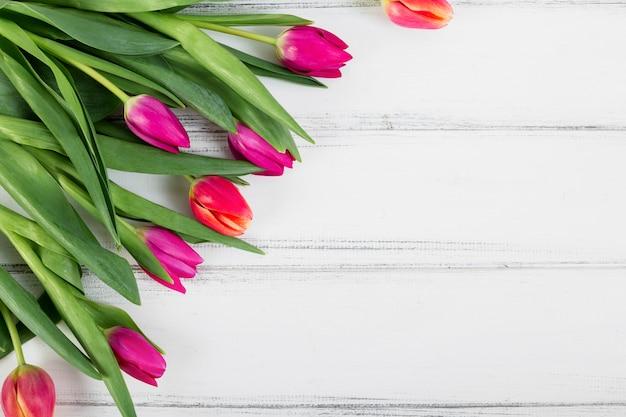 Kleurrijk boeket van tulpen