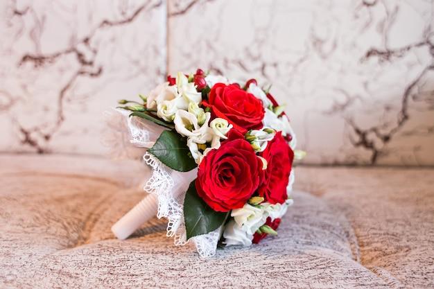 Kleurrijk bruids huwelijksboeket
