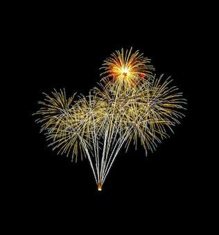 Kleurrijk geëxplodeerd vuurwerk dat op zwarte wordt geïsoleerd