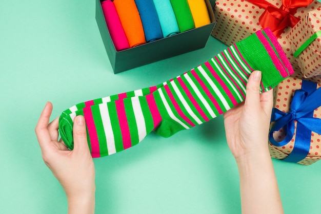 Kleurrijk pak katoenen sokken