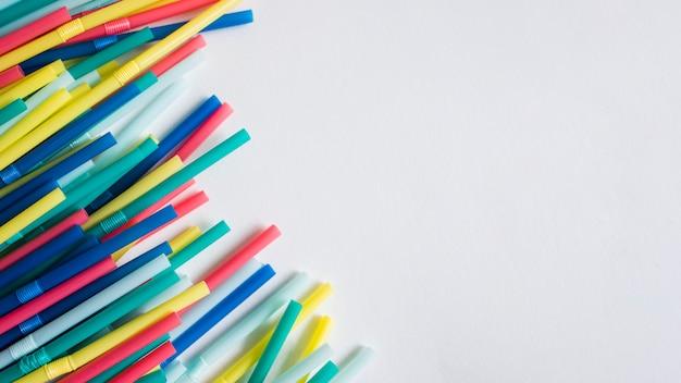 Kleurrijk plastic strooit