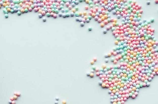 Kleurrijk polystyreenschuim.