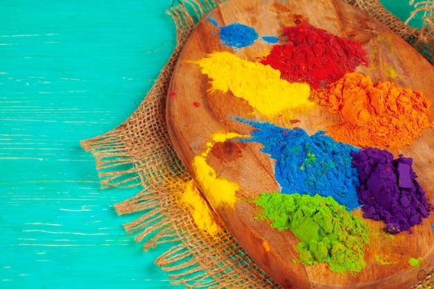 Kleurrijk stof voor holi-festival