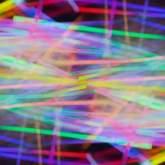 Kleurrijke abstracte neonlicht buis achtergrond