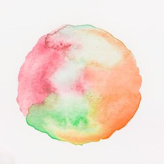 Kleurrijke aquarel vlek geïsoleerd op een witte achtergrond