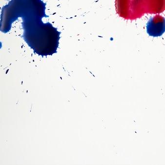 Kleurrijke artistieke vlekken van aquarel spatten