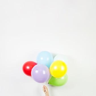 Kleurrijke ballonnen voor verjaardag concept