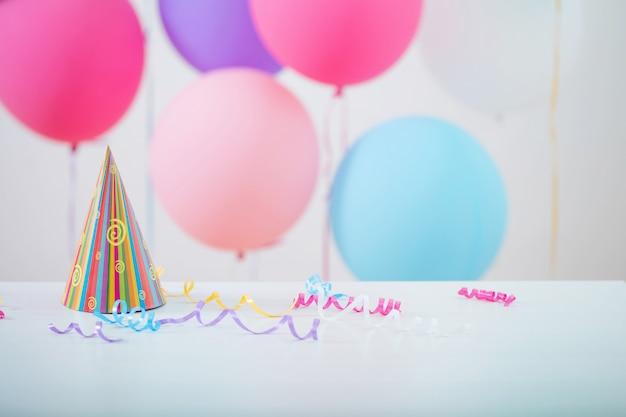 Kleurrijke ballonnen voor verjaardag