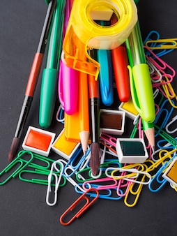 Kleurrijke briefpapier terug naar school