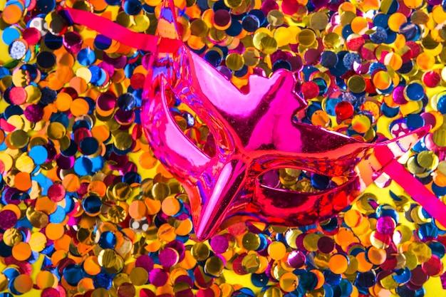 Kleurrijke carnaval-samenstelling met maskers