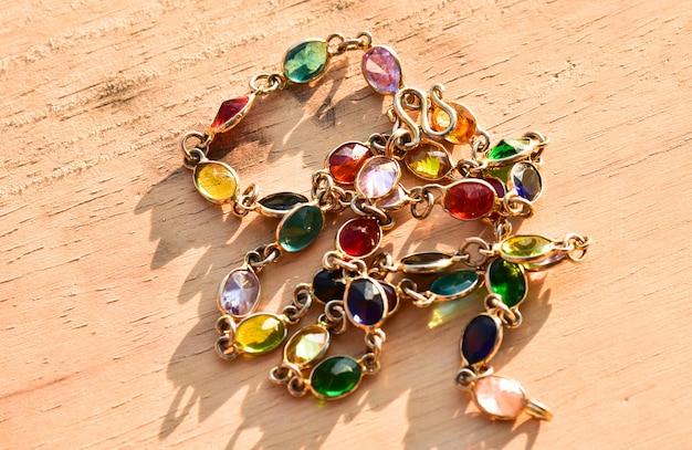 Kleurrijke edelsteen