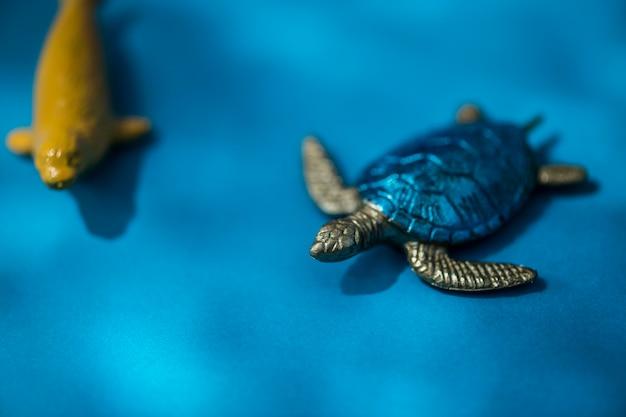 Kleurrijke en heldere miniatuur dierlijke cijfers