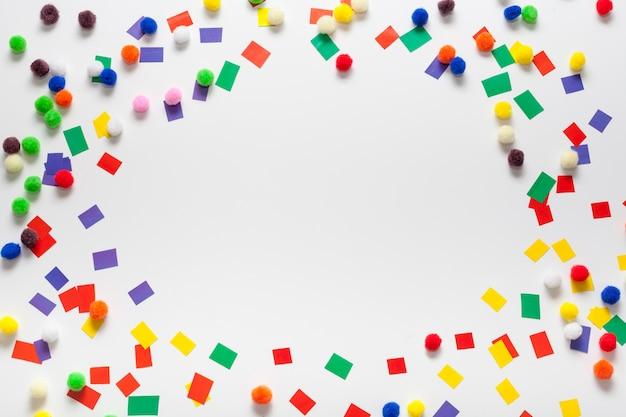 Kleurrijke gesneden papier frame en kopie ruimte