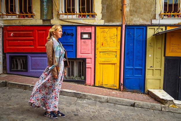 Kleurrijke huizen van het balat-district, istanboel, turkije.