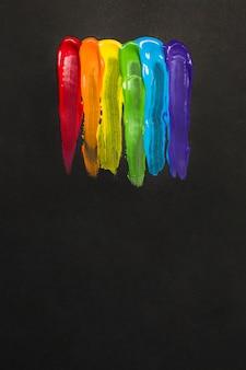 Kleurrijke lgbt-kleuren beroerte met borstel