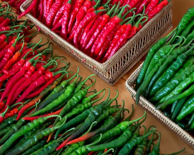 Kleurrijke patronen van chili voor het koken