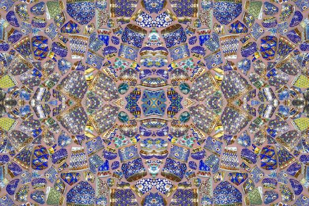Kleurrijke patronen van keramische tegels voor de achtergrond.