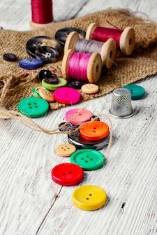 Kleurrijke plastic knoppen