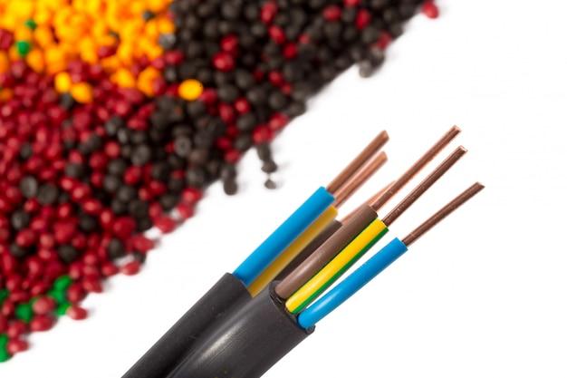 Kleurrijke plastic polymeerkorrels voor kabel