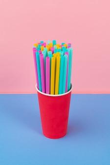 Kleurrijke rietjes voor frisdrank