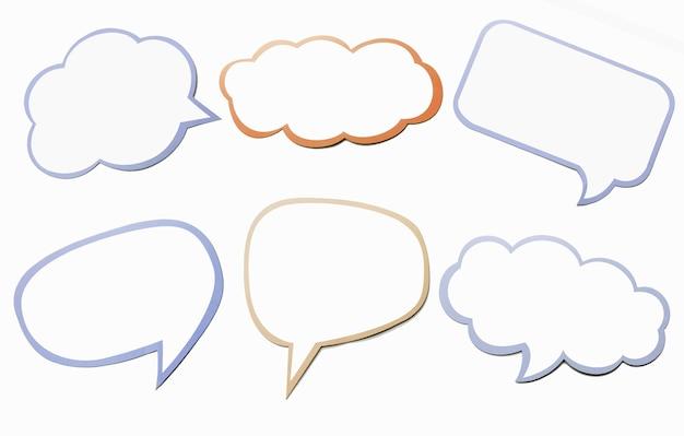 Kleurrijke set van verschillende tekstballon als een wolk geïsoleerd op een witte achtergrond. leeg blauw en oranje massagesymbool voor chat met exemplaarruimte. Premium Foto