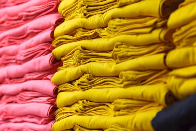 Kleurrijke t-shirts
