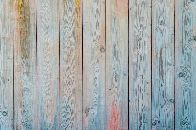 Kleurrijke verticale plank van hout